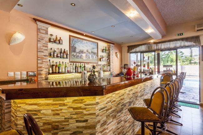 hotel-maltezos-gouvia-corfu-bar