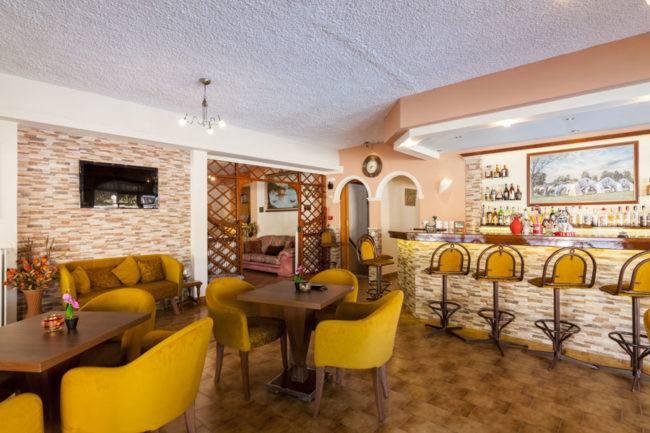 hotel-maltezos-gouvia-corfu-cafe-bar