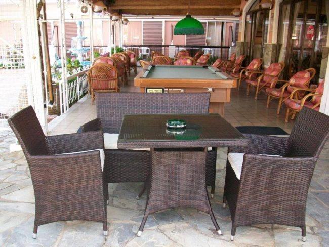 hotel-maltezos-gouvia-corfu-family-holidays-bar